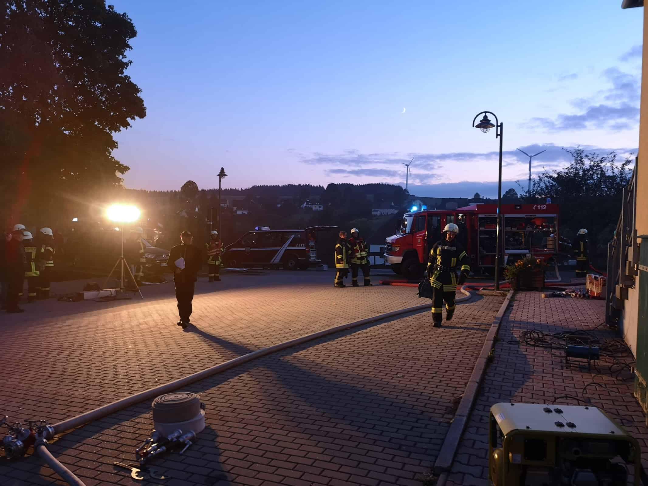 Brand 4 | Explosion 3 vermisste Personen