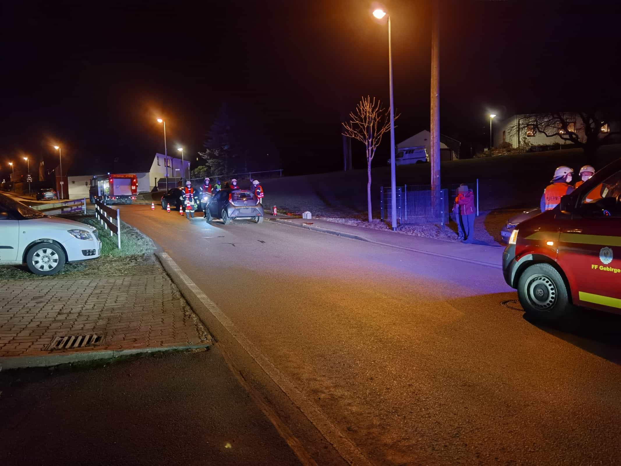 TH 1   Auslaufende Betriebsmittel nach Verkehrsunfall 4