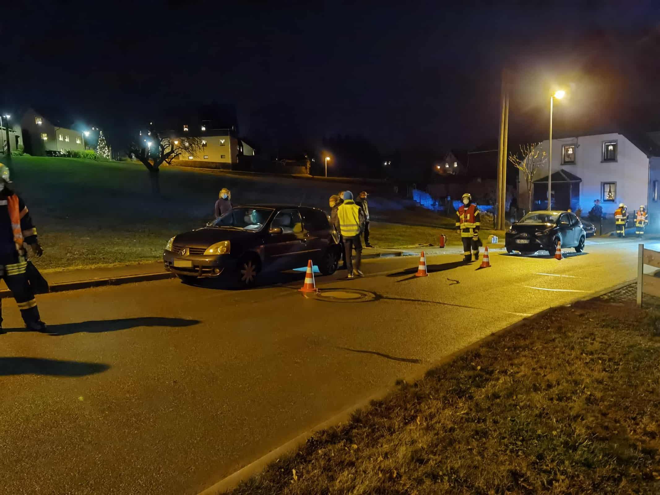 TH 1   Auslaufende Betriebsmittel nach Verkehrsunfall 5